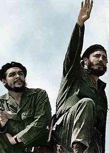 Revolutionary leaders Che Guevara (left) and Fidel Castro (right) in 1961.